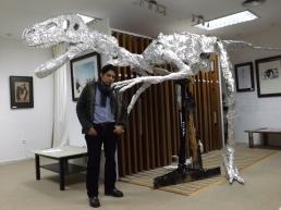 Megaraptor, Junto con obras de grandes artistas como Chillida, Giacometti, Tapíes y Dalí.
