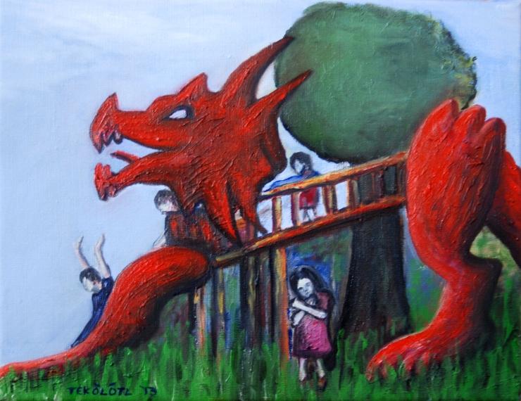 Los niños jugando sobre del dragón.