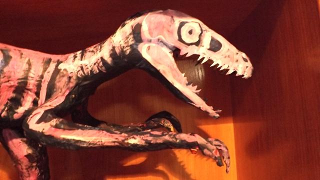velociraptorCara